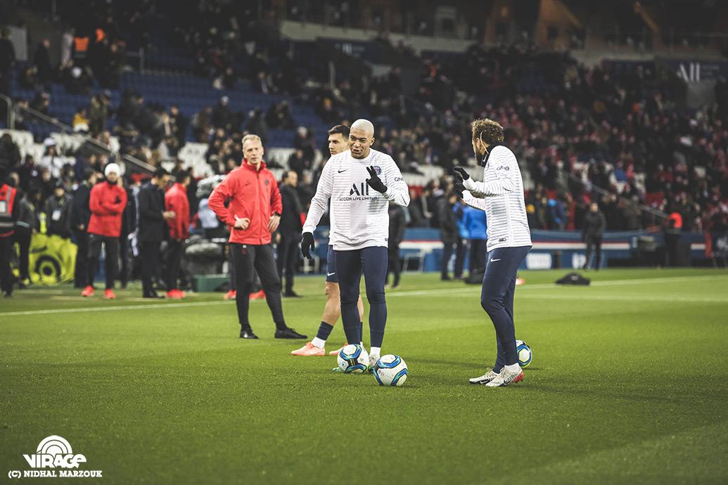 Mbappe Neymar Parc des Princes Virage PSG De l'intérieur