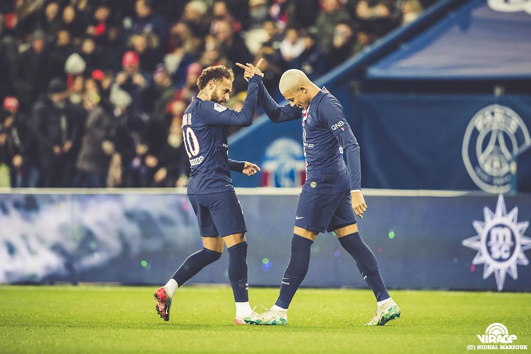 Neymar Mbappe Parc des Princes Virage PSG De l'intérieur