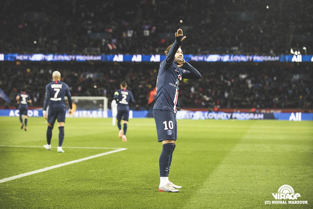 Neymar Parc des Princes Virage PSG De l'intérieur